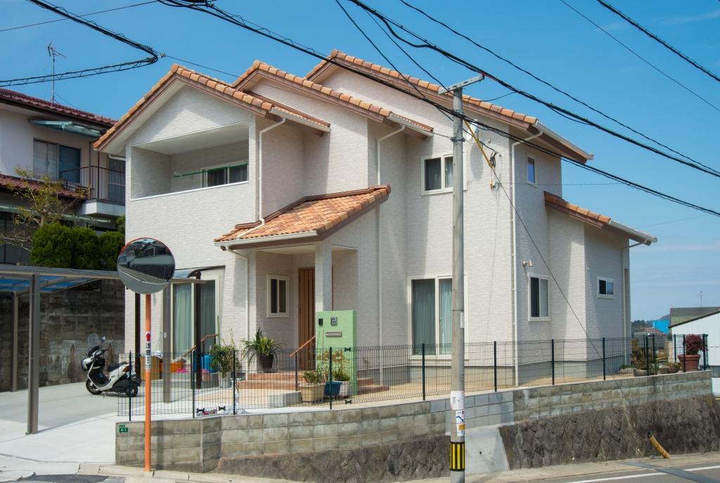 注文住宅 福岡市 混ぜ葺き瓦の3世代の住まい