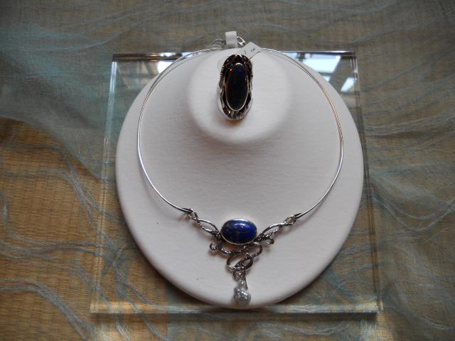 ラピスラズリと真珠のネックレス