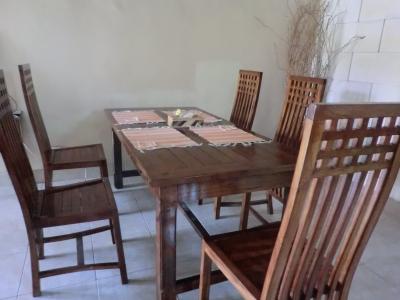 リビングのテーブル1