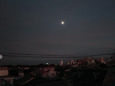 台風一過月