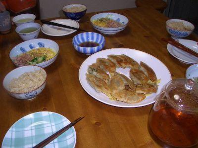 食卓に並んだ 安全な夕食