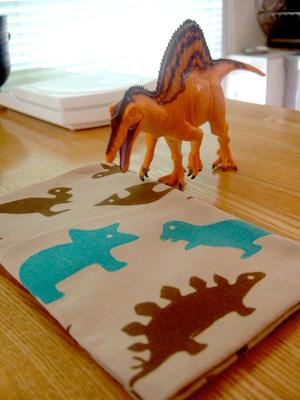 スピノサウルスと手ぬぐい