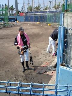 キャンプ後も石垣島に残ったマリーンズの選手たち