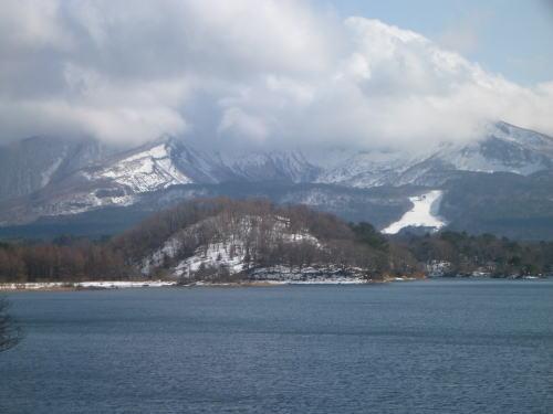 桧原湖と会津磐梯山