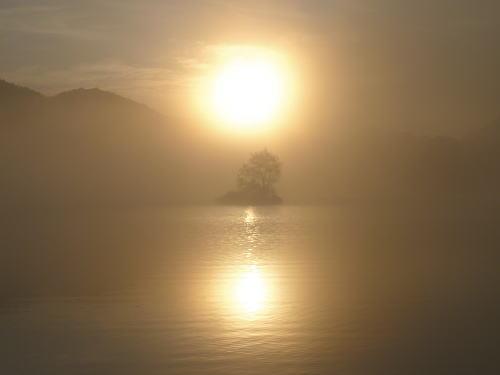 小野川湖の朝日