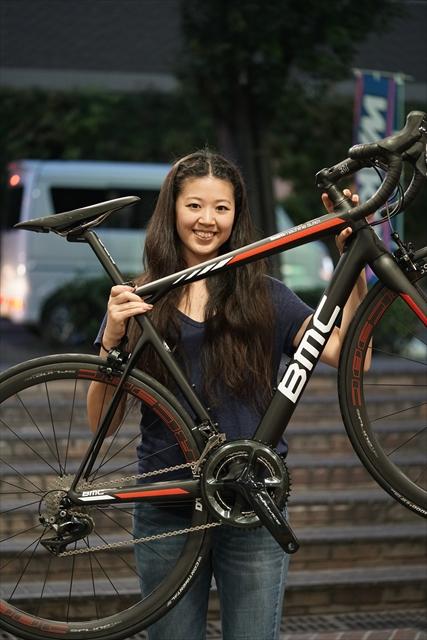 松本尚子とBMC SLR01 デュラエース