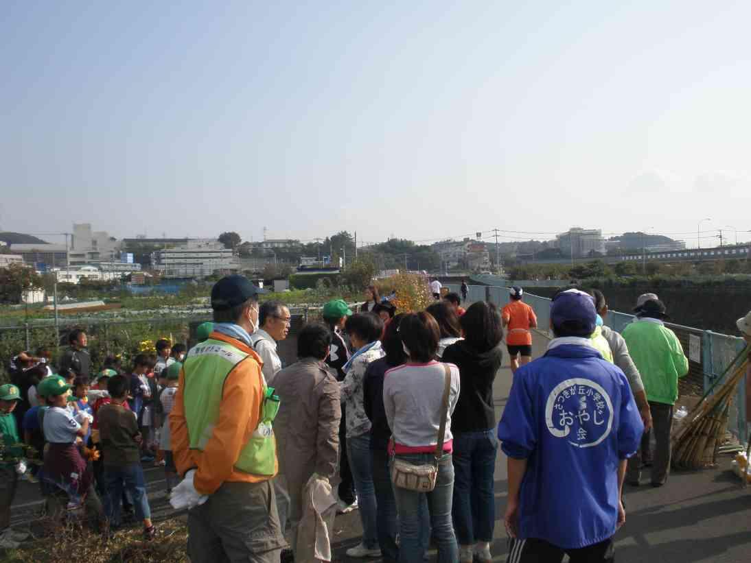 恩田川草刈り1