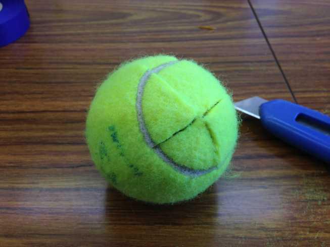 テニスボールをカット2