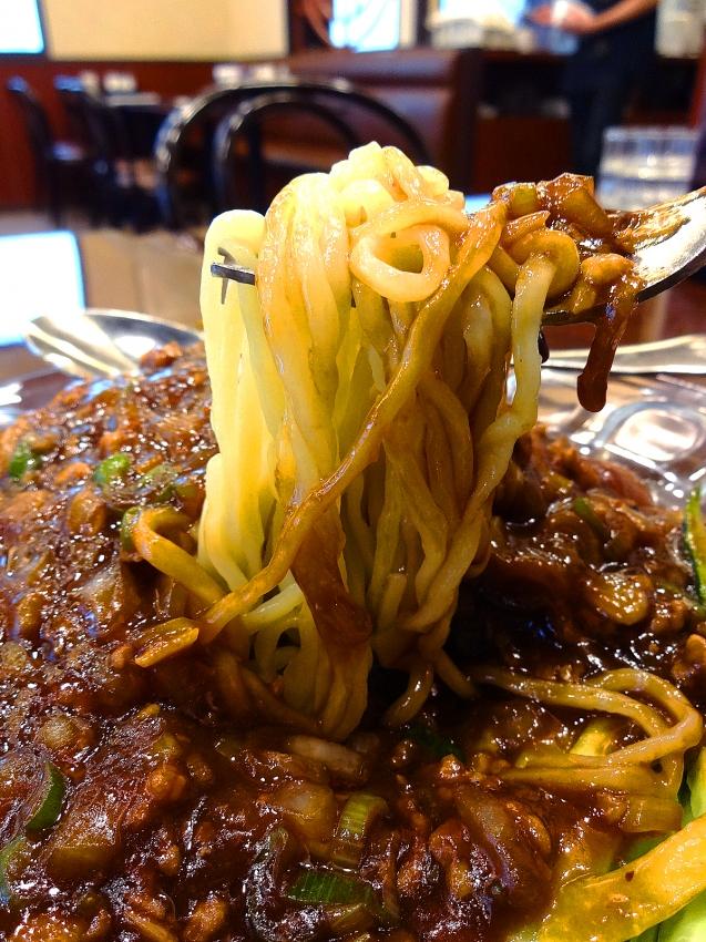 草加の大福源のジャージャー麺のメーン