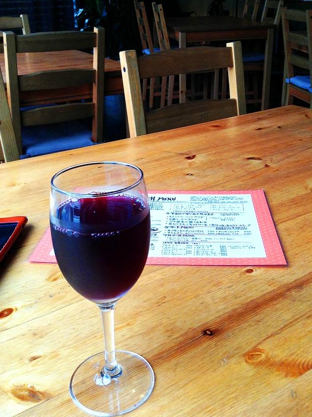 草加のFADE IN CAFEのグラスワイン