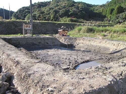 貯水池作り