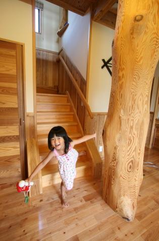 大黒柱のある家|福岡県古賀市 S様邸(二階建て・和洋骨太健康住宅)|木造りの家フォーユー