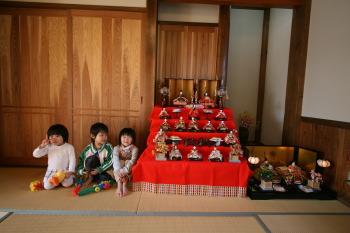 和室に飾ったひな人形|福岡県古賀市の二階建て 骨太健康住宅|木造りの家フォーユー