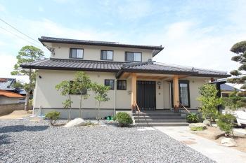 佐賀県鳥栖市 S様邸(二階建て) 屋根寄せ棟 外観|木造りの家フォーユーお客様の声