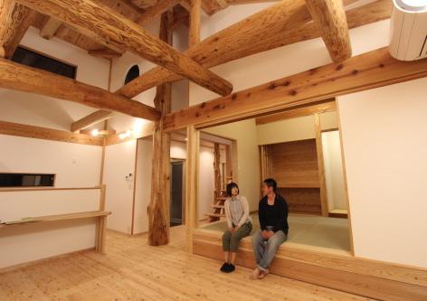 『伝統工法?渡り和組み?を取り入れた住まい』|二階建て(約37坪)福岡県小郡市・木造りの家フォーユー