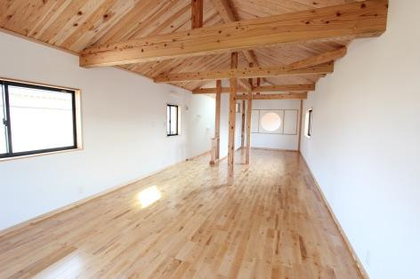 『伝統工法?渡り和組み?を取り入れた住まい』-将来、子供部屋になるフリースペース-|二階建て(約37坪)福岡県小郡市