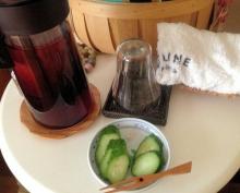 きゅうりとハイビスカス茶