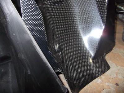 純正形状カーボン製インナーフェンダー