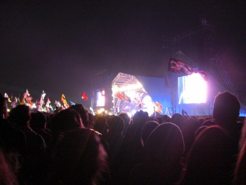 blur。さすがにPyramid Stage満員。