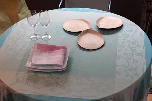 夏のテーブルクロス