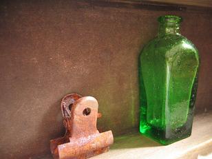 緑色の小瓶