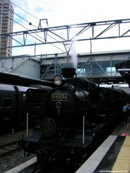 100805 SL人吉熊本駅 喫煙所前から.JPG