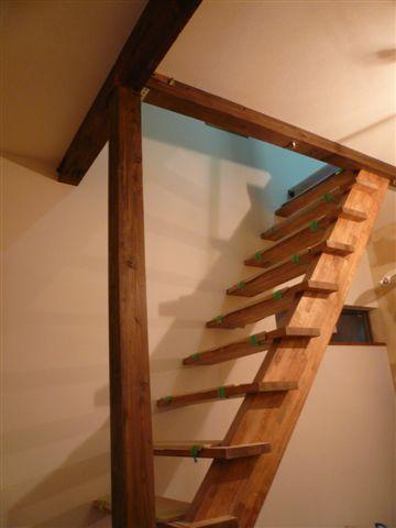 クロス付き階段
