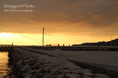 夕日を撮影するおじさん達 きまぐれ*Photo