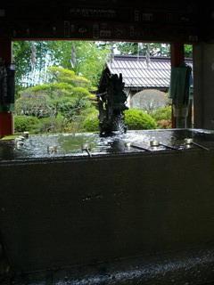 北口本宮冨士浅間神社の手水舎