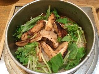 麻鳥の松茸の釜飯