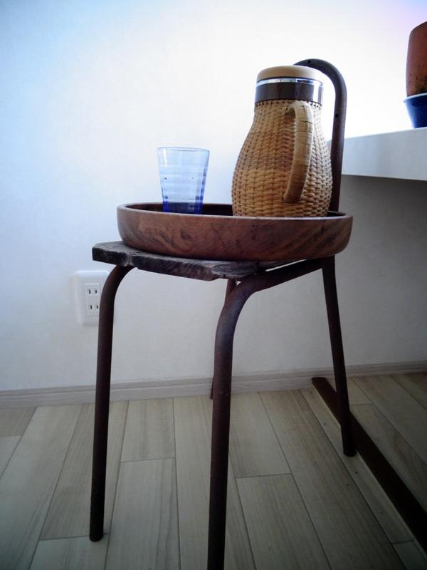アイアンの椅子