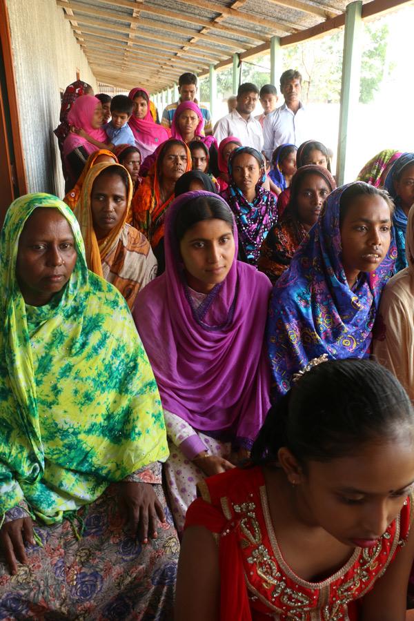 バングラデシュ 女性