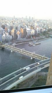 レストランから見た隅田川