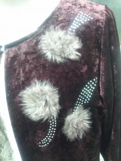 左上のニードルパンチ刺繍部分