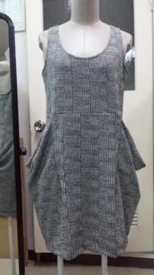 ドレープポケットジャンパースカート