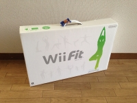 Wii Fitバランスボード同梱を買って帰った