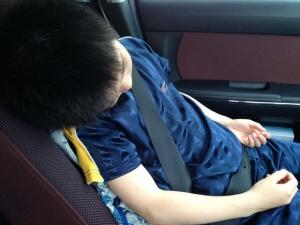 車内にて爆睡
