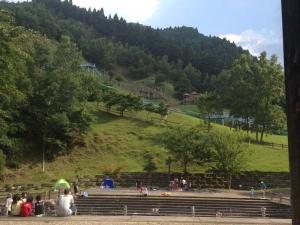 ジャンボローラー滑り台とボブスレーのあるアスレチック