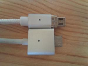 X-cableのMini2(上)と従来品(下)の比較