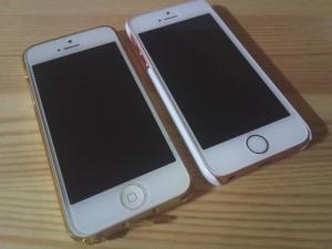 (左)iPhone5 (右)iPhoneSE