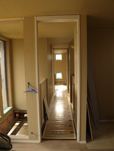 寝室から廊下