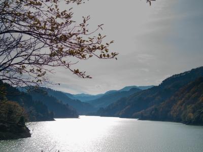 手取ダム湖