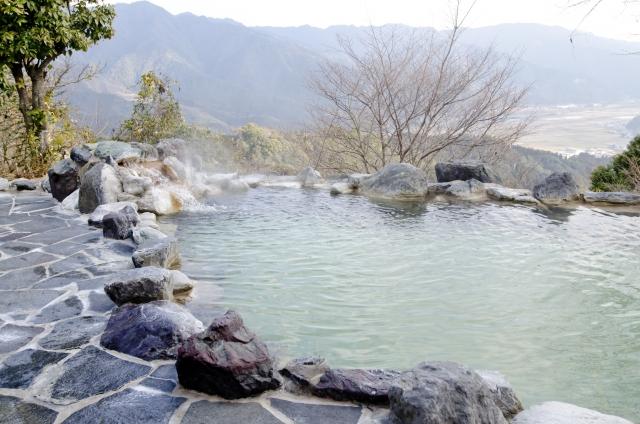 岩風呂 露天 温泉
