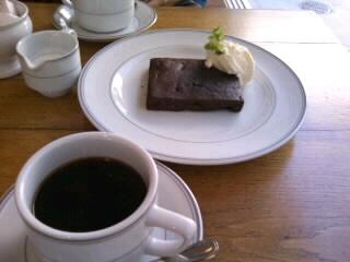 京ブラウニーとブレンドコーヒー.JPG
