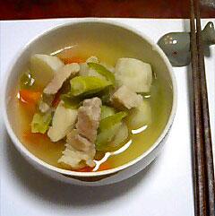 里芋と豚肉のスープ