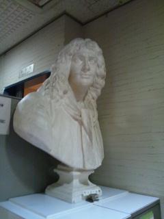 シアターモリエール モリエール像
