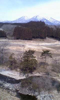 3月の那須山と那珂川