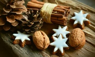 cinnamon-stars-2991174__480[1].jpg