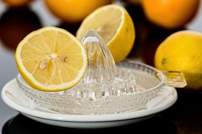 lemon-squeezer-609273__480[1].jpg