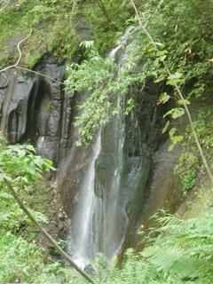 110924-09有明の滝.JPG